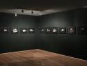 Vue partielle de l\'exposition \'\'GRAPHIE DU DEPLACEMENT\'\' de Mathias Poisson. Photographies Mathieu HAREL-VIVIER (www.mathieuhv.fr)