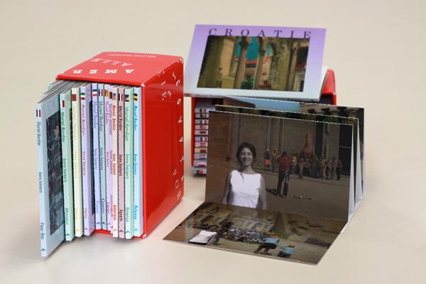 Les co-éditions Bons Baisers de Muriel Bordier, dépliants touristiques publiés aux éditions Filigrane, 2009. PHAKT - Centre Culturel Colombier - RENNES (35)